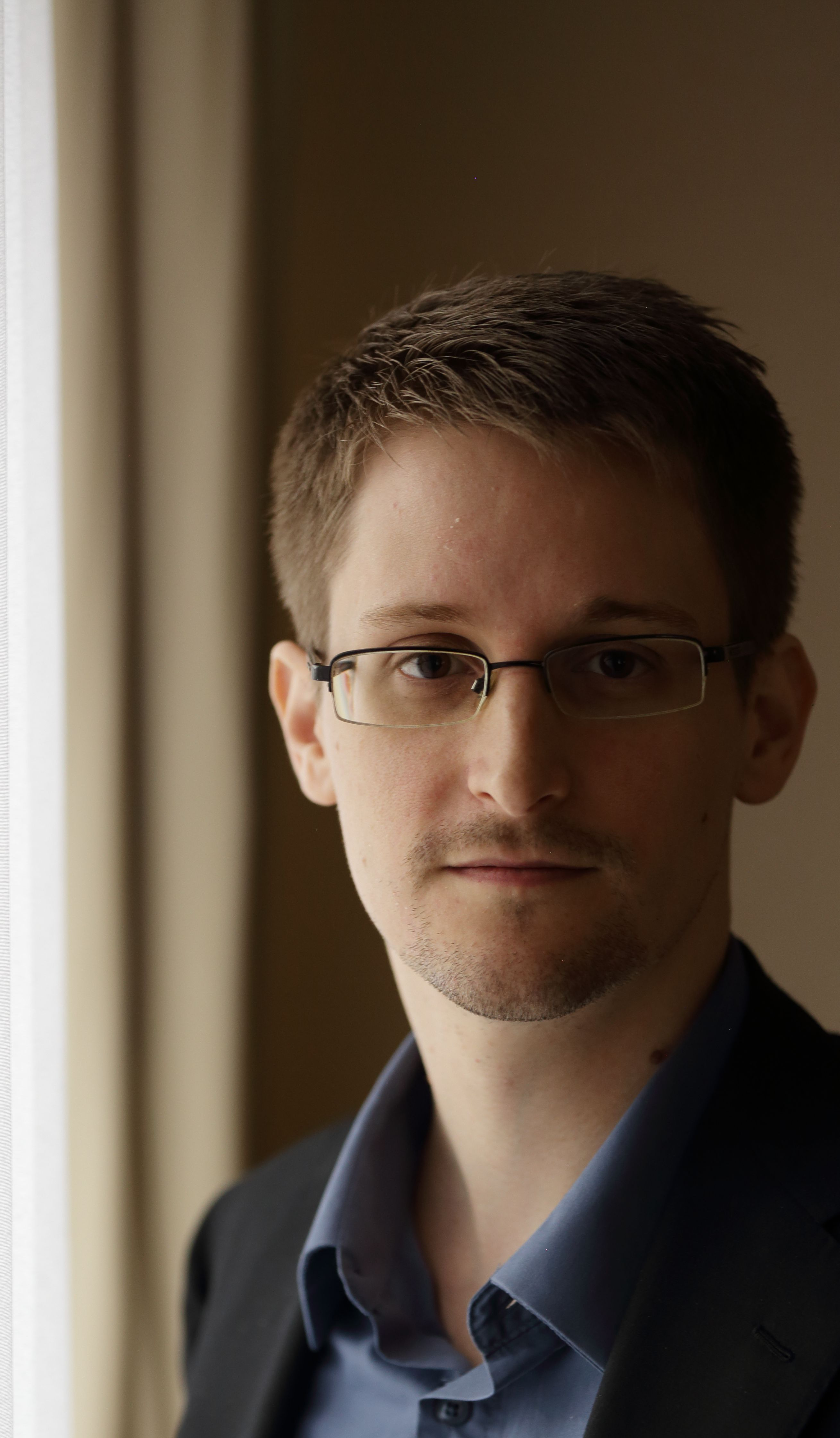 the global hunt for edward snowden essay Ethical dilemma: edward snowden the traitor or american hero edward snowden is computer professional from the united states in june 2013 he leaked classified information about the united states from the nsa (national security agency.