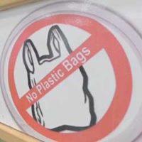 (Français) Afrique : La guerre des sacs plastiques